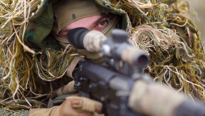 Krievija Ukrainas tuvumā sākusi vērienīgas militārās mācības