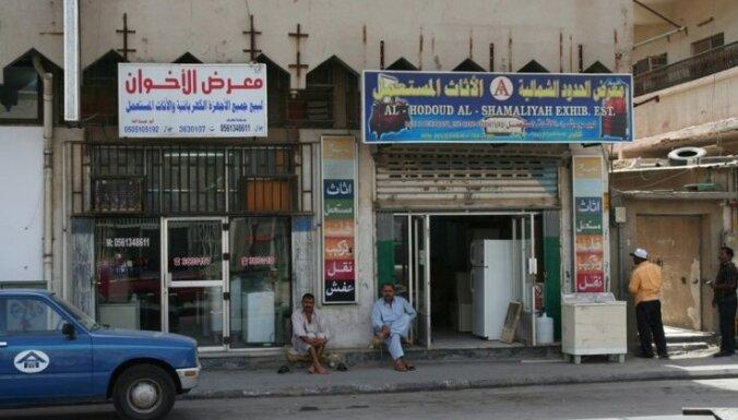 Saūda Arābijā no darba sieviešu veikalos atlaidīs visus pārdevējus – vīriešus