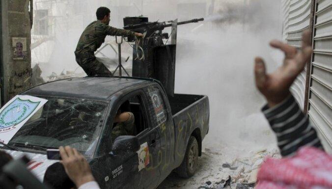 Lielākās Sīrijas nemiernieku alianses komandieris nogalināts gaisa triecienā