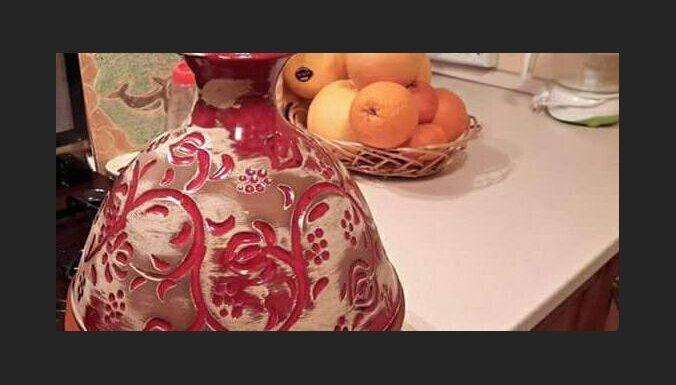Тажин с пряной бараниной, морковью, оливками и солеными лимонами