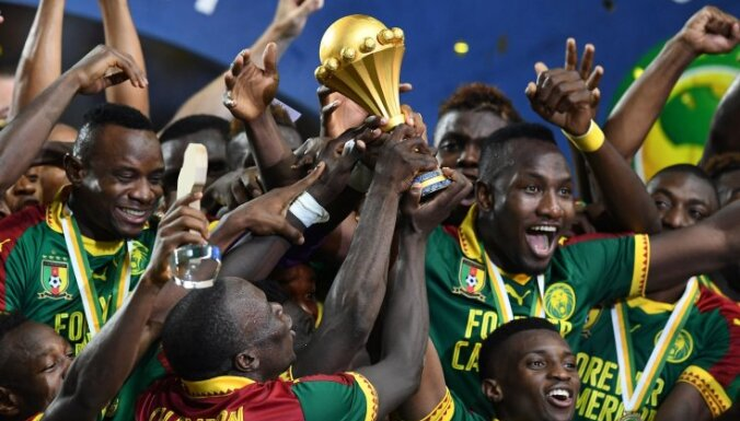 Cameroon football team celebrate win Africa Cup 2017