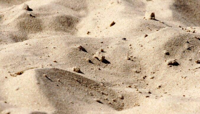 В Ливаны детей засыпало песком, один ребенок погиб