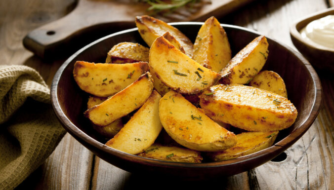 Kartupeļu daiviņas ar rozmarīnu