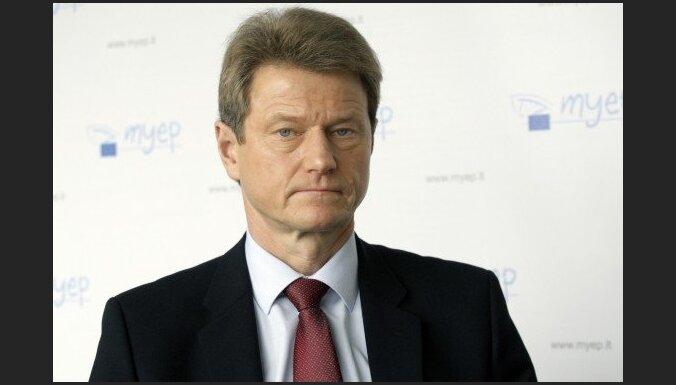 Lietuvas Seims atlaiž prezidentu Rolandu Paksu