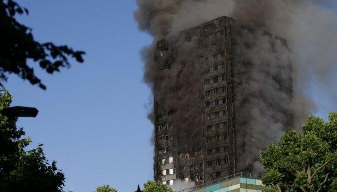 Число жертв пожара в лондонской высотке выросло до 12