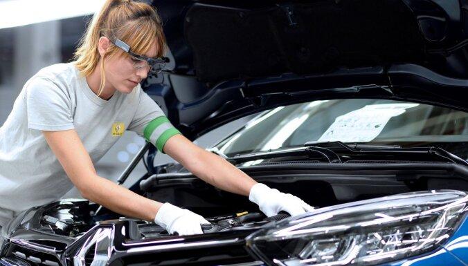 Pagrieziena rādītāji, vējstikla tīrītāji u.c. auto inovācijas, kuru autores ir sievietes