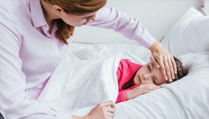Bērnam drudzis: kā atpazīt, rīkoties un kur vērsties saslimšanas gadījumā
