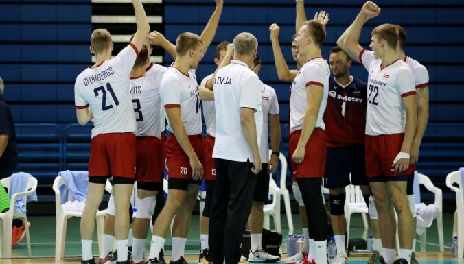 Latvijas volejbolisti pēc Kipras sensacionālās uzvaras ar vienu kāju EČ finālturnīrā