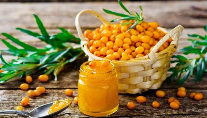 Oranžā veselības oga – smiltsērkšķis. Kādas uzturvielas satur un kā vislabāk pagatavot