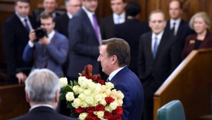 Год Кучинскиса: как правительство Латвии медленно, но верно теряло рейтинг