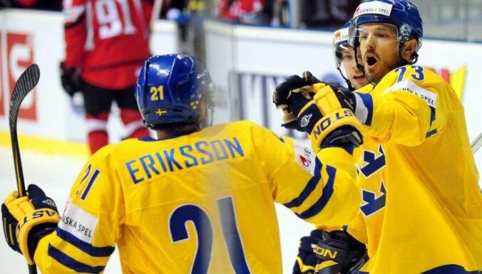 Zviedrija gūst pirmo uzvaru šajā pasaules čempionātā