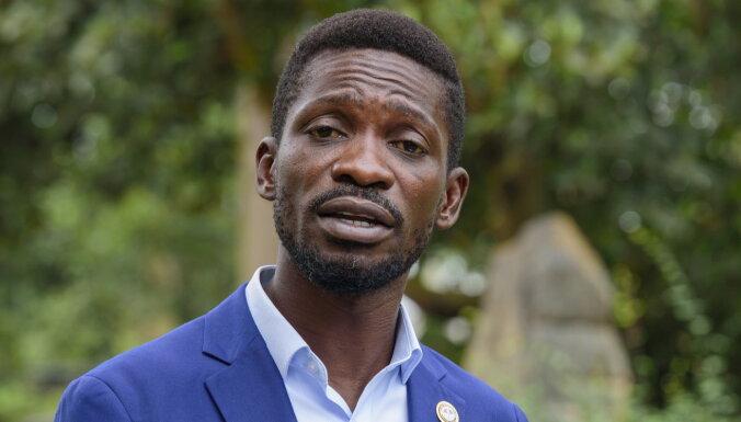 Ugandas galvenais opozicionārs atbrīvots no mājas aresta