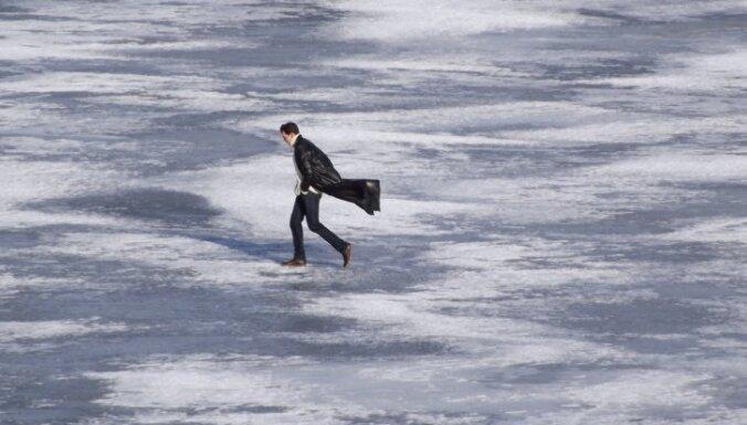Ledus upēs ir par 10-15 centimetriem plānāks nekā parasti janvārī