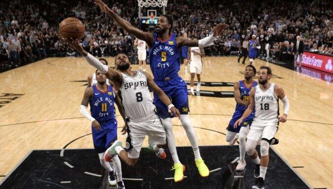 Bertāns paliek ārpus rotācijas, bet 'Spurs' panāk izšķirošo spēli sērijā pret 'Nuggets'