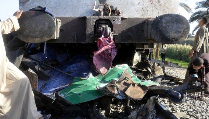 Возле Каира перевернулся поезд с новобранцами: около 20 погибших
