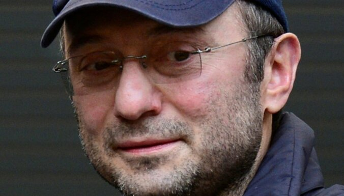 Французский суд запретил российскому сенатору-миллиардеру возвращаться в РФ