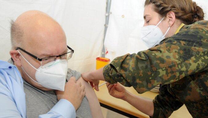 Vācijā zināmi 42 trombozes gadījumi pēc 'AstraZeneca' saņemšanas