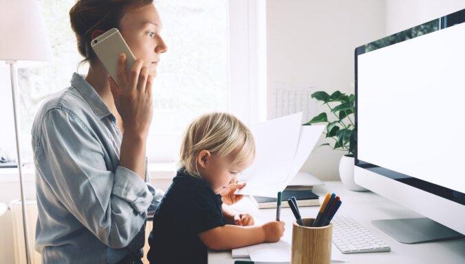 'Zoom' nogurums un tiešsaistes izdegšana: kā pārdzīvot attālinātā darba izaicinājumus