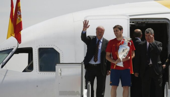 В Мадриде игроков Испании ждал грандиозный прием