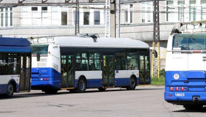 В День поминовения усопших по Риге запустят дополнительные рейсы общественного транспорта