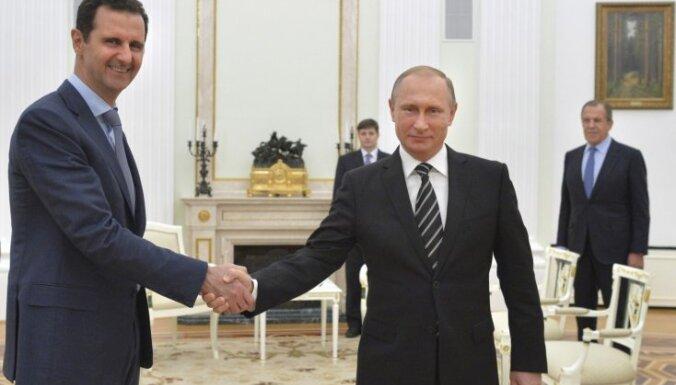 """Белый дом раскритиковал """"торжественный прием"""" Асада в Москве"""
