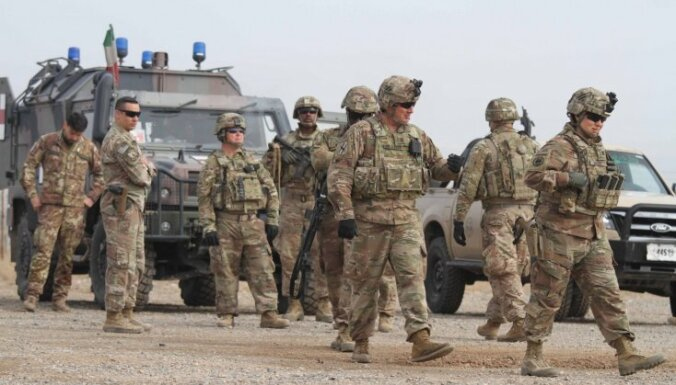 ASV varētu izvest karavīrus no Afganistānas piecu gadu laikā, ziņo laikraksts