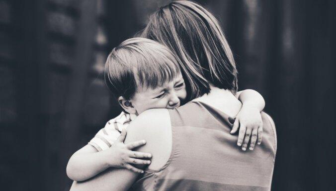 Mammu, neaizej! Kā bērnam iemācīt atvadīties no vecākiem bez asarām