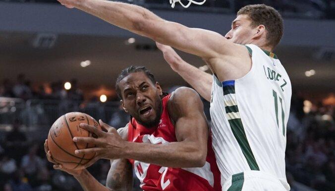'Raptors' gūst svarīgu uzvaru NBA pusfinālā pār 'Bucks'