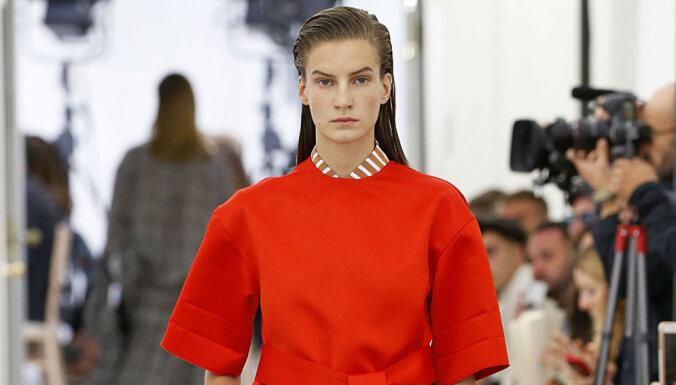 Foto: Latviešu modele defilē Viktorijas Bekhemas modes skatē