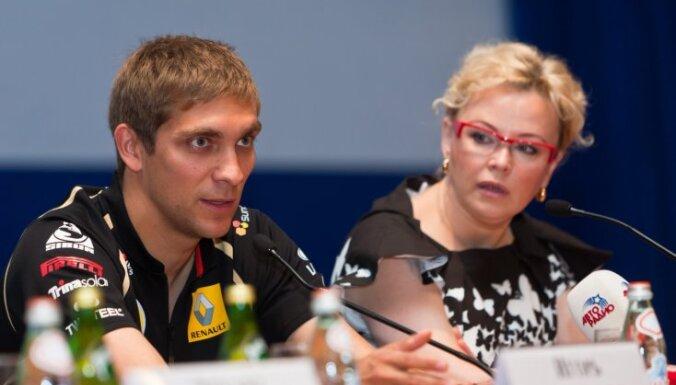 Vitālija Petrova menedžere: Krievija vēl nav gatava Formulai 1