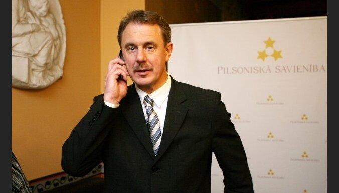 Laikraksts: PS izslēdz no partijas Stefani