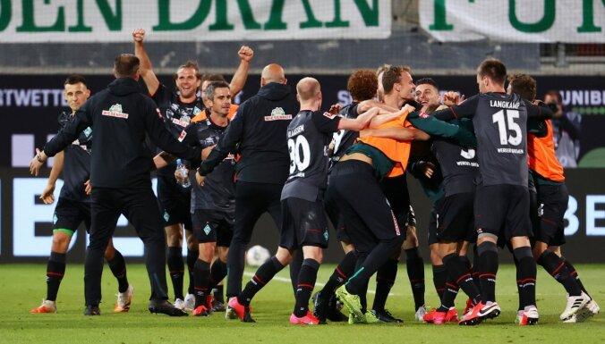 'Werder' ar pretinieku palīdzību notur vietu Vācijas bundeslīgā