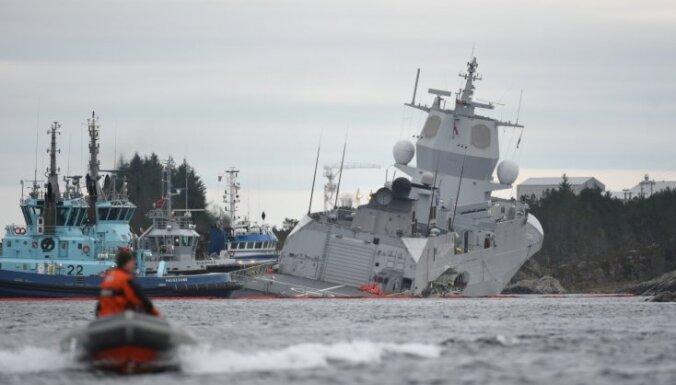 Foto: Pie Norvēģijas krastiem notikusi fregates un tankkuģa sadursme