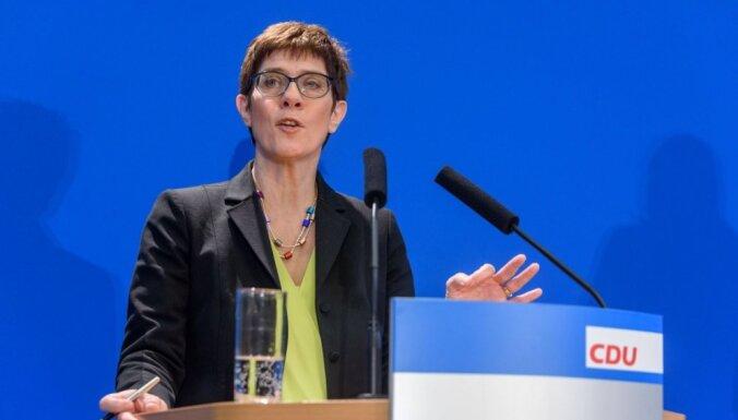 Merkeles potenciālā pēctece kaļ plānus jaunam partijas 'laikmetam '