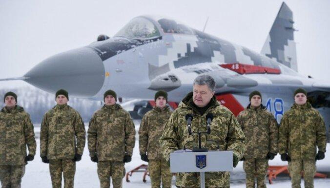 Порошенко: возле границы с Украиной находятся 80 тысяч российских войск