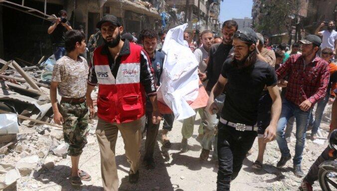 Pēc Asada solījumiem padarīt Alepo par kapu bombardēšanā cieš slimnīca