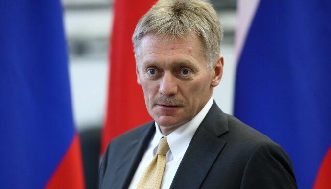 Песков назвал ерундой предположения, что Путин боится Навального