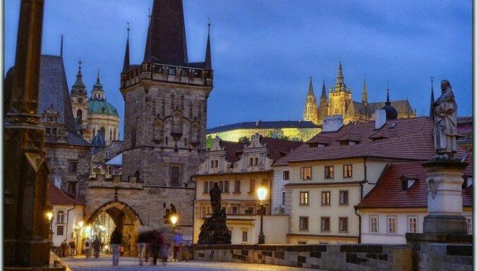Русские за полгода тихо скупили роскошные отели в центре Праги