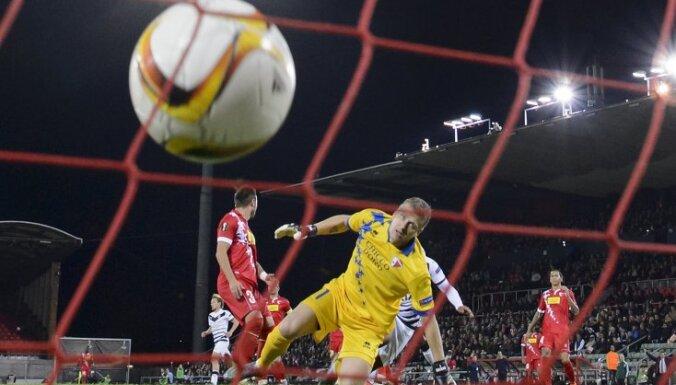 Sion s Latvian goalpeeker Andris Vanins