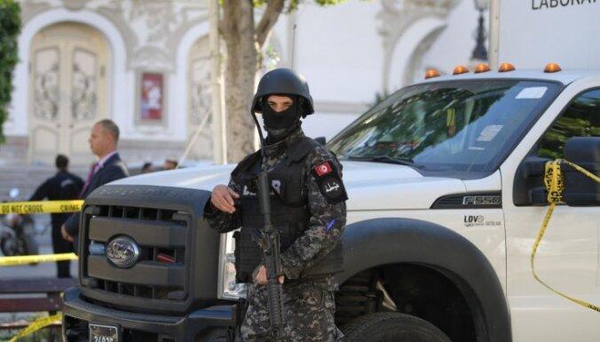 Tunisijā piespriests mūža ieslodzījums septiņiem 2015. gada teroraktu rīkotājiem