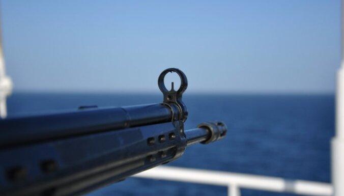 У берегов Африки пираты напали на танкер, следовавший из Риги в Лагос