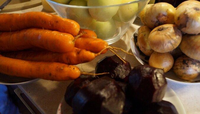 Biešu un ābolu salāti borščam bez pasterizēšanas
