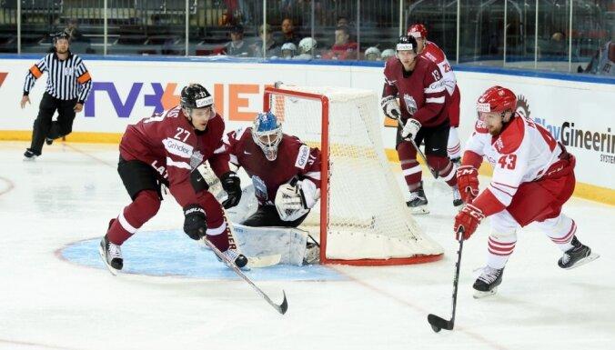ФОТО: Перед олимпийской квалификацией хоккеисты Латвии всухую уступили датчанам
