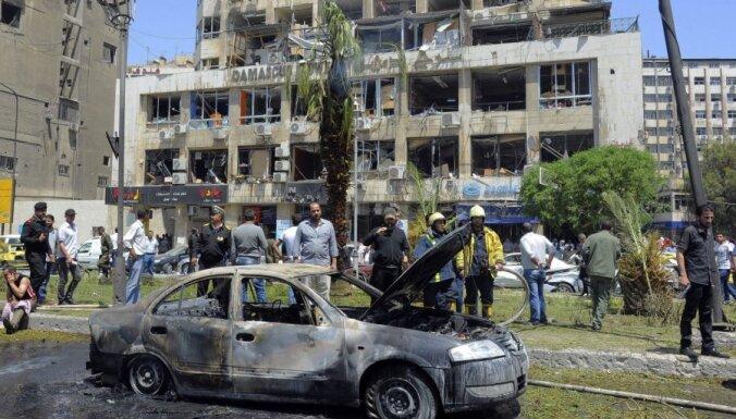 Organizācija: Sīrijas konflikts izdzēsis vairāk nekā 94 000 cilvēku dzīvību