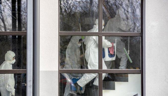 Igaunijā jau trīs nāves gadījumi ar Covid-19; Lietuvā saslimušo skaits sasniedz 437