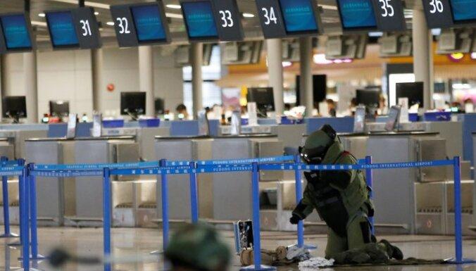 Pašdarinātas bumbas sprādzienā Šanhajas lidostā trīs ievainotie