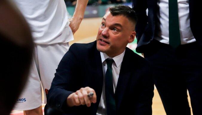 Šmita pārstāvētās 'Barcelona' trenerim Jasikēvičam pozitīvas Covid-19 analīzes