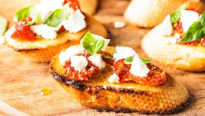 Izbaudīt Vidusjūras virtuvi: ēdieni, ko pagatavot, alkstot pēc siltajām zemēm
