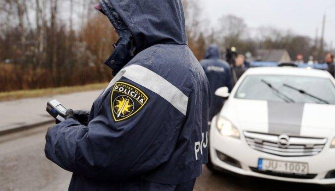 Полицейских, пожарных и пограничников увольняется больше, чем приходит на работу