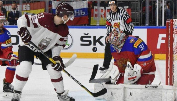 Latvijas izlasei neizdodas gūt vārtus un izrādīt cienīgu pretestību Krievijai